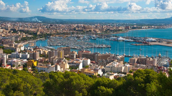 Mediterranean destinations: Palma de Mallorca, the most popular spot of the Balearic Islands