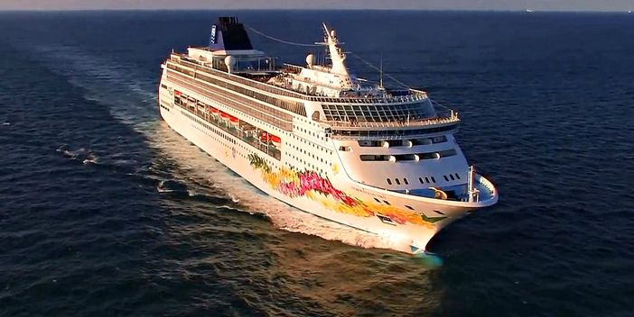 Norwegian Sky Offers Cruises With Free Drinks And Alcohol