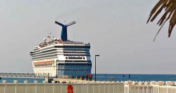 Carnival Cruise Line Fly2Fun program