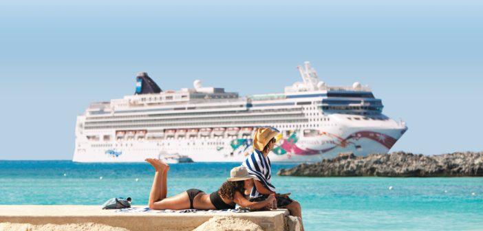 La croisiere pourquoi, comment!... Ncl_Bahamas_GSC_Couple_Jewel-702x336