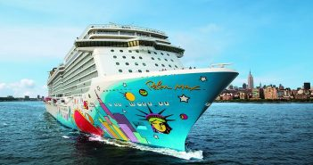 Norwegian Cruise Line ship, Breakaway leaving New York City
